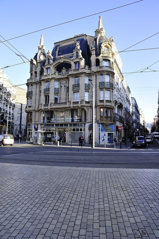 D couvrez l 39 immeuble dit la martre de france site - Piscine saint etienne de saint geoirs ...